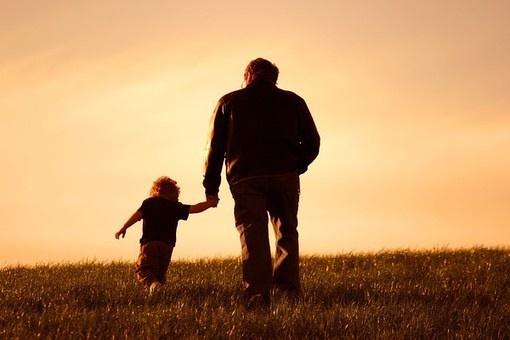 """一个""""候鸟爸爸""""是如何让身患绝症的女儿从容面对生命最后时光--超感人!!!"""
